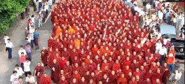 marcia pacifica dei monaci birmani